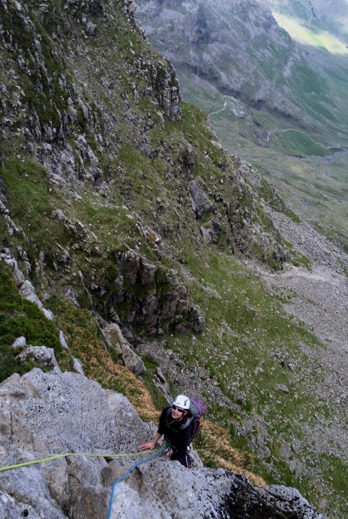 Climbing slabs having overcome the slippery crack