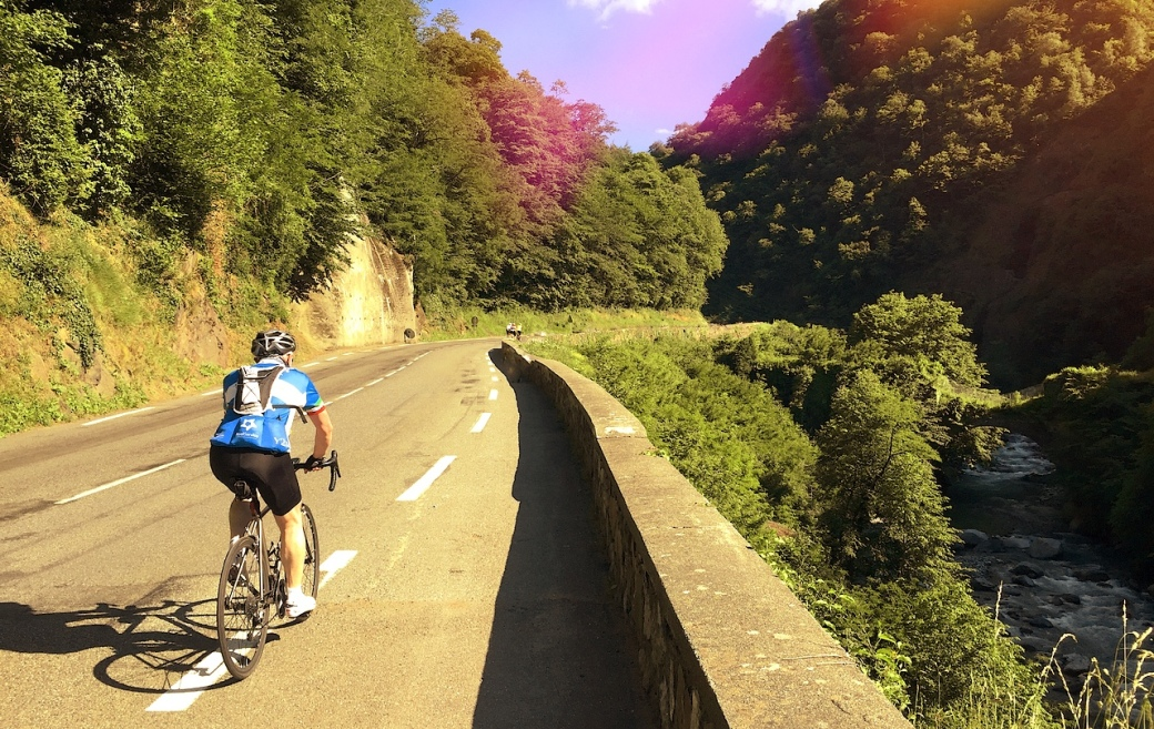Rolling up the gorge to Luz-Saint-Sauveur